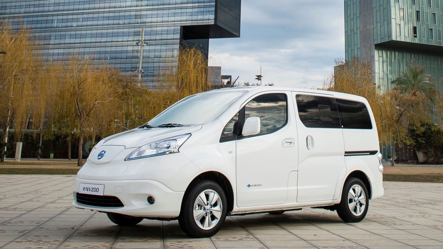 άσπρο Nissan 3-NV200 Evalia
