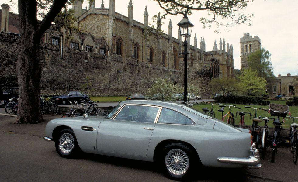 γκρι Aston Martin DB5