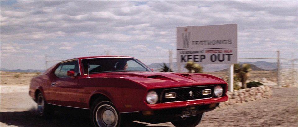 κόκκινο Ford Mustang