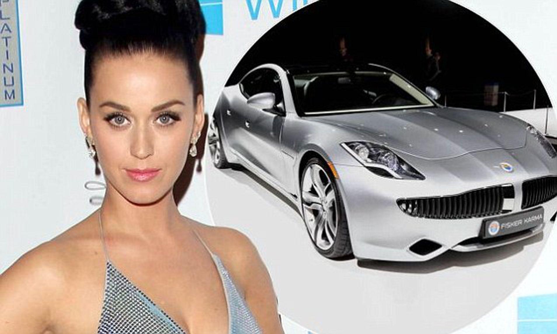 Η Katy Perry και στο φόντο το Fisker Karma