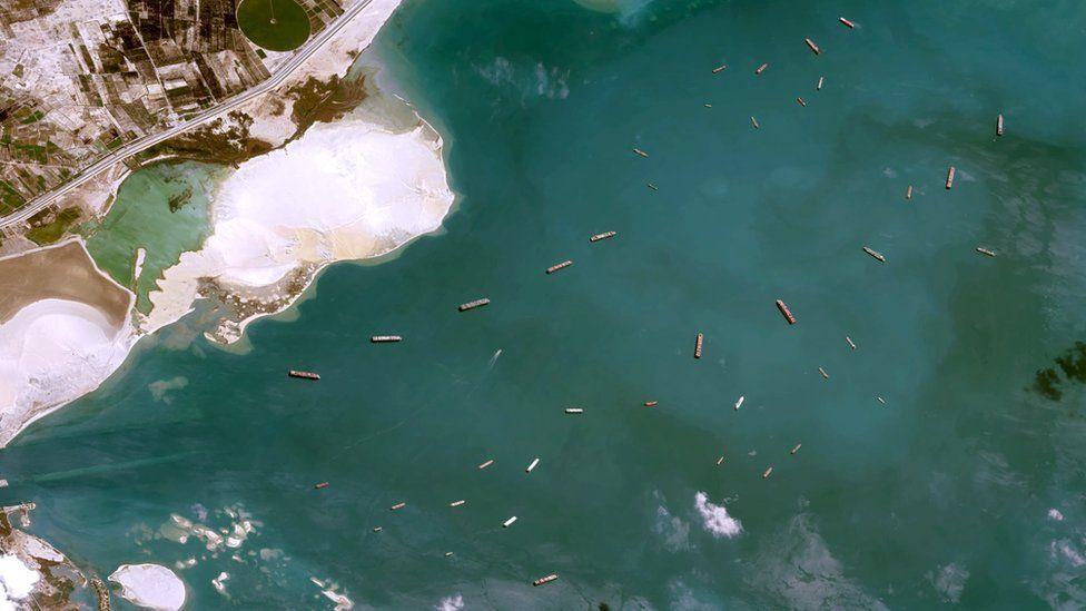 πλοία στη θάλασσα από ψηλά