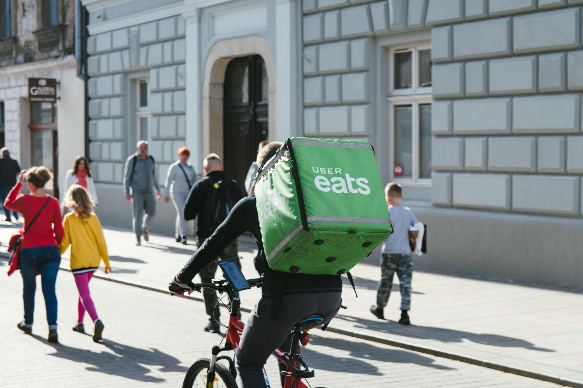 διανομέας σε ποδήλατο