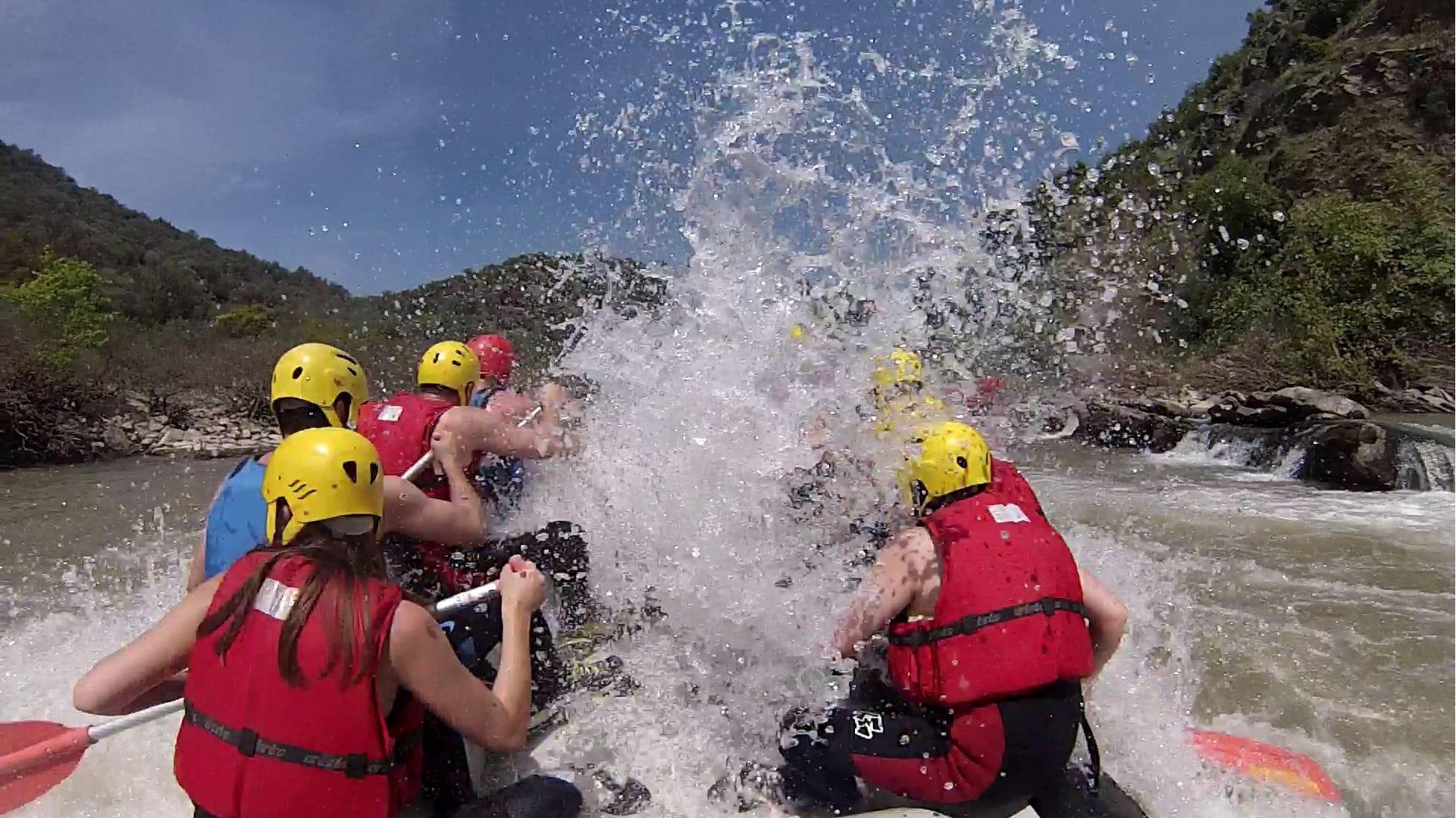 Rafting στον ποταμό Πηνειό μέσω της οργάνωσης Trekking Hellas