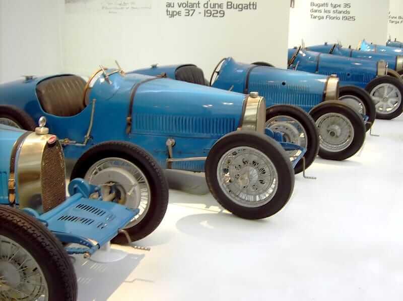 Μπλε αγωνιστικά μοντέλα από τη δεκαετία του 1930