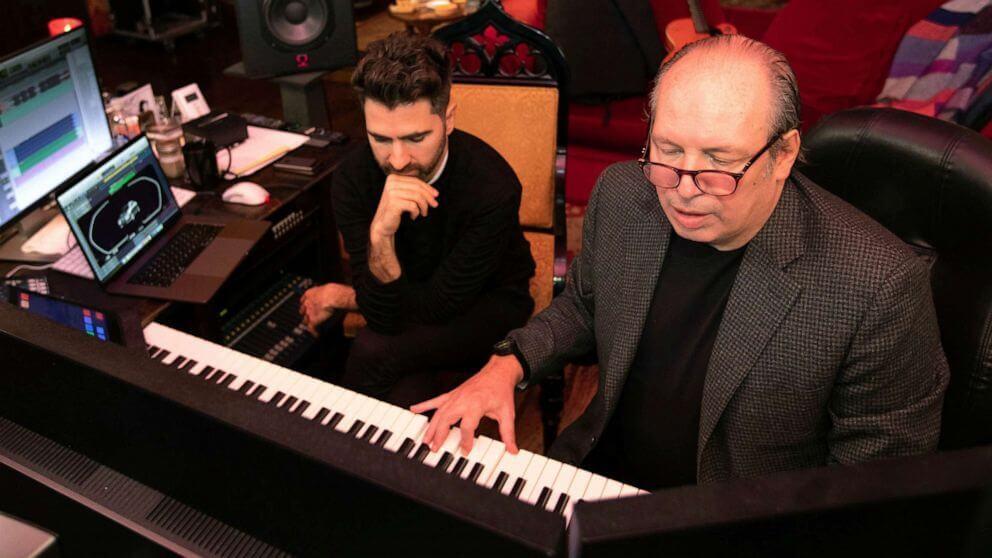 ο συνθέτης Hans Zimmer παίζει πλήκτρα