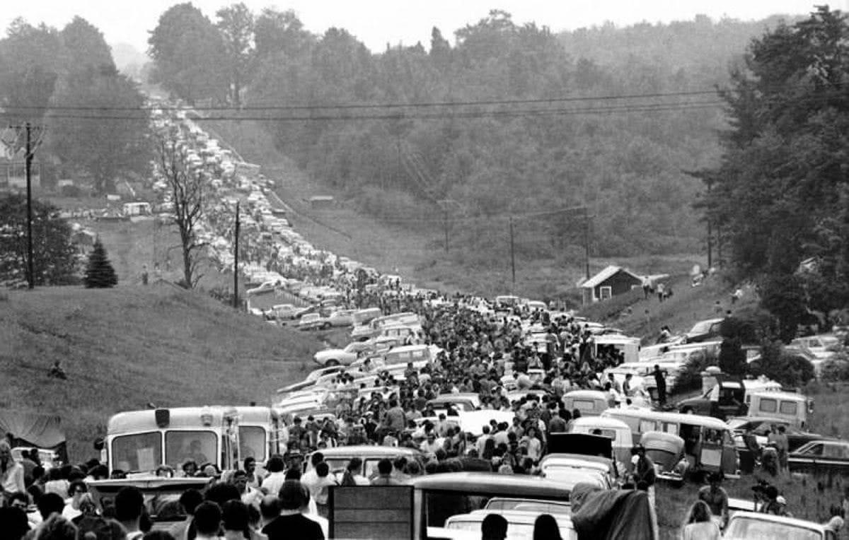 στιγμιότυπο από τον δρόμο οδηγούσε στο Woodstock